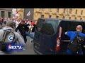 """Вот как сегодня в Минске люди отбивали своих от лукашистских провокаторов...!,News & Politics,МИНСК,БЕЛАРУСЬ,ЗАДЕРЖАНИЕ,силовики,омон,протесты,митинг,По пропагандистским новостям это будут прокручивать как """"люди напали на..."""", это видео должно увидеть как можно больше людей!  Комментарий очевидцев:"""